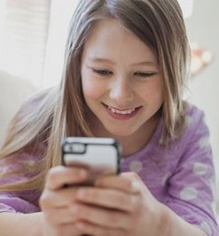 Young-girl-smartphone